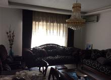 شقة طابق ثاني مساحة 135م للبيع/ الزهور _ شارع الاذاعة وتلفزيون 36