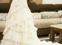 فستان زفاف للبيع 200ريال وقابل للتفاوض