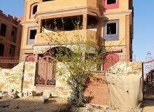 فيلا 3 ادوارمطله على مسجد جامعه مصر