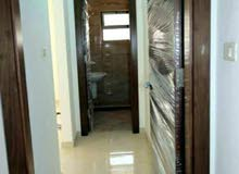شقة للبيع 180م  ط ارضي قرية النخيل