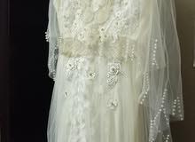 عرض فستان للبيع