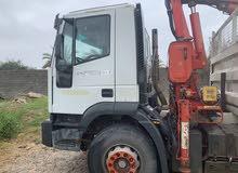 شاحنة افيكو عليها قرو Fassi 130 للبيع