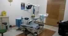 عيادة اسنان قائمة ومرخصة وجاهزة للبيع بسعر مغري