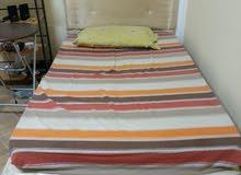 سرير 200 × 120