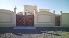 منزل للبيع عقدة جنوب(بوابة البريمي)