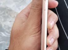 للبيع او المراوس ايفون 8بلاس ذاكره 64 كارتون وياه مكفول نظيف جدا