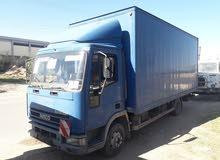 افكو حافضة لنقل البضائع والعفش داخل وخارج طرابلس طول الحافضة 6 متر حمولة 6 طن