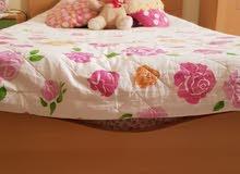 سرير مفرد ومرتبة للبيع