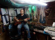 جميع انواع الجيتارات اسبانا وفيتنس وشارد مع المايسترو السويس