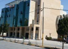 مكاتب و محلات تجارية و مسبح و نادي رياضي و مطعم ترس للايجار - اربد