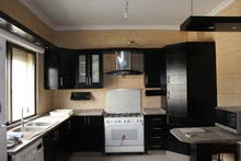 للبيع او ايجار شقة سوبر ديلوكس في منطقة بين السابع و الثامن 3 نوم مساحة 150 م² - ط اول