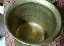 مهراس او مسحان قديم جدا مصنوع من نحاس