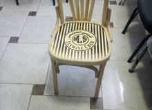 كرسي خشب بحالة جيدة للبيع