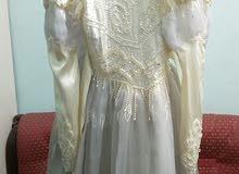 معروض فستان زفاف