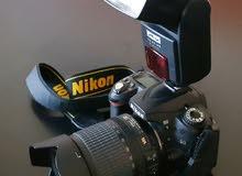 كاميرا نيكون D90 + فلاش خارجي + حقيبة حماية