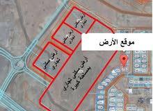 أرض في مرتفعات العامرات الثامنة بمساحة كبيرة كورنر بالقرب من محطة نفط عمان