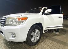land cruiser 2014 in good condition exr v8