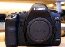 canon 5D ii mark 2 - Full fream camra body only weth access.  Camra body . Charg