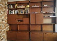 مكتبة كبيرة للبيع