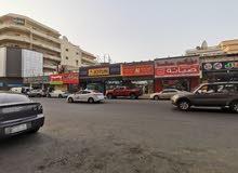 مبنى تجاري للبيع على طريق الملك خالد4 شوارع