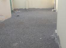 بيت  عربي  فى السويق _العريق  بتكون من 3 غرف 3 حمامات مطبخ و مخزن و موقف لسياره