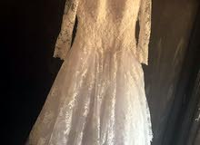 فستان زفاف ابيض ملكي