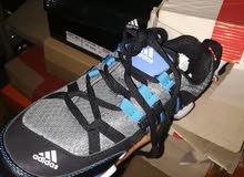 حذاء adidas