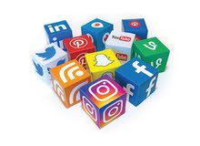 إدارة مواقع التواصل الاجتماعي فقط بـ 100 دينار شهريا شامل التصميم