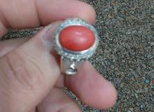 خاتم فضة بحجر مرجان طبيعي - فضة ثقيلة وصياغة رائعة