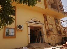للبيع عمارة مميزة في امتداد ناصر ثلاثة طوابق مكيفه بالكامل