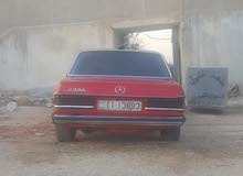 Mercedes Benz E 200 1978 For sale - Red color