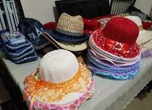 مجموعه من القبعات النسائيه