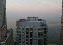 شقة للبيع 300م الدور الاخير ترى البحر من كل جوانبها خلف كورنيش سيدى بشر وفندق الهيلتون رمادا