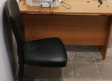مكتب +  كرسي مدير + كرسي انتظار