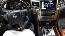 لكزس LX570 خليجي موديل 2014 محول الي 2015 3 شاشات  فل اوبشن  السياره قمه بالنظافه