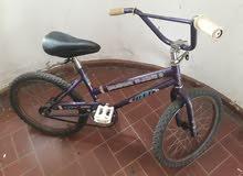 دراجه هوائية للاطفال بحالة جيدة - مقاس 20
