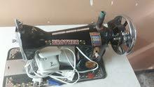 مكينة خياطه ما مستخدمه