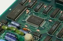 تصميم وصيانة لوحات تحكم الكترونية كهربائية