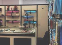 محل جوالات للتقبيل ( ديكور - كاميرات - اجهزة + طابعات + بضاعة وغيرها )