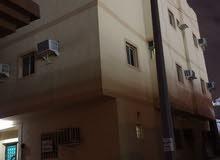 شقق للايجار للعزّاب حي العزيزيه شارع غرناطه من غرفه وغرفتين تصلح لي عمال الشركات والمؤسسات