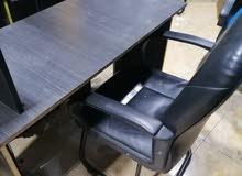 كرسي +مكتب للكمبيوتر + حبل ليد RGB  مع ريموت بسعر مميز. باقي كميه قليله