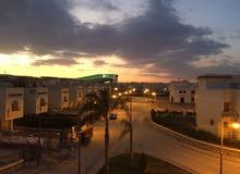 شقة لقطه بدريم ليك أمام مدينة الإنتاج الإعلامي وبجوار مول مصر مباشرة