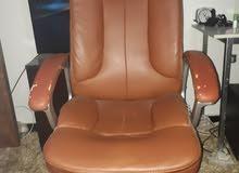 كرسي دوار للبيع جلد بني