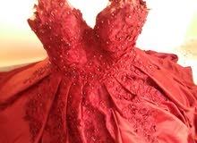 فستان كبير ملبوس نصف ساعه