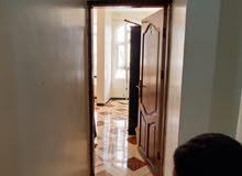 شقة للإيجار في بيت بوس قريب الشارع زفلت الي عندالعمارة