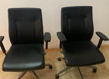 2 كرسي مكتب بحاله ممتازه