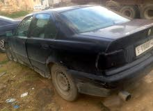 للبيع bmw  323 1997