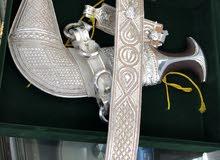 خنجر عمانيه أصليه بقرن زراف هندي صافي ونصله عمانيه قديمه