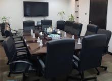 غرفة اجتماعات متكاملة للايجار بالساعه