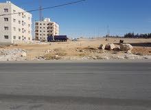 الطنيب - السكة الغربي - على شارع المطار بجانب جامعة الاسراء 1220 متر